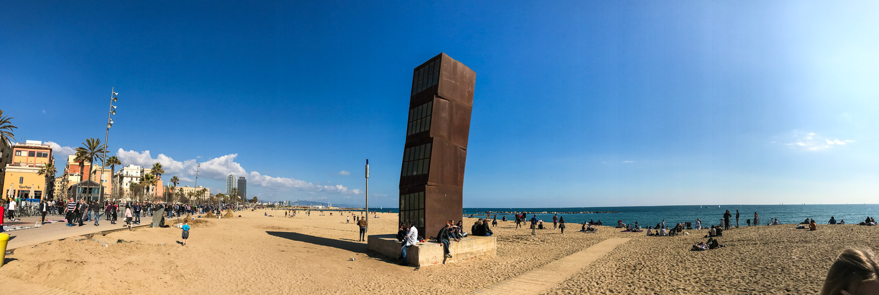 plaża la barceloneta w barcelonie