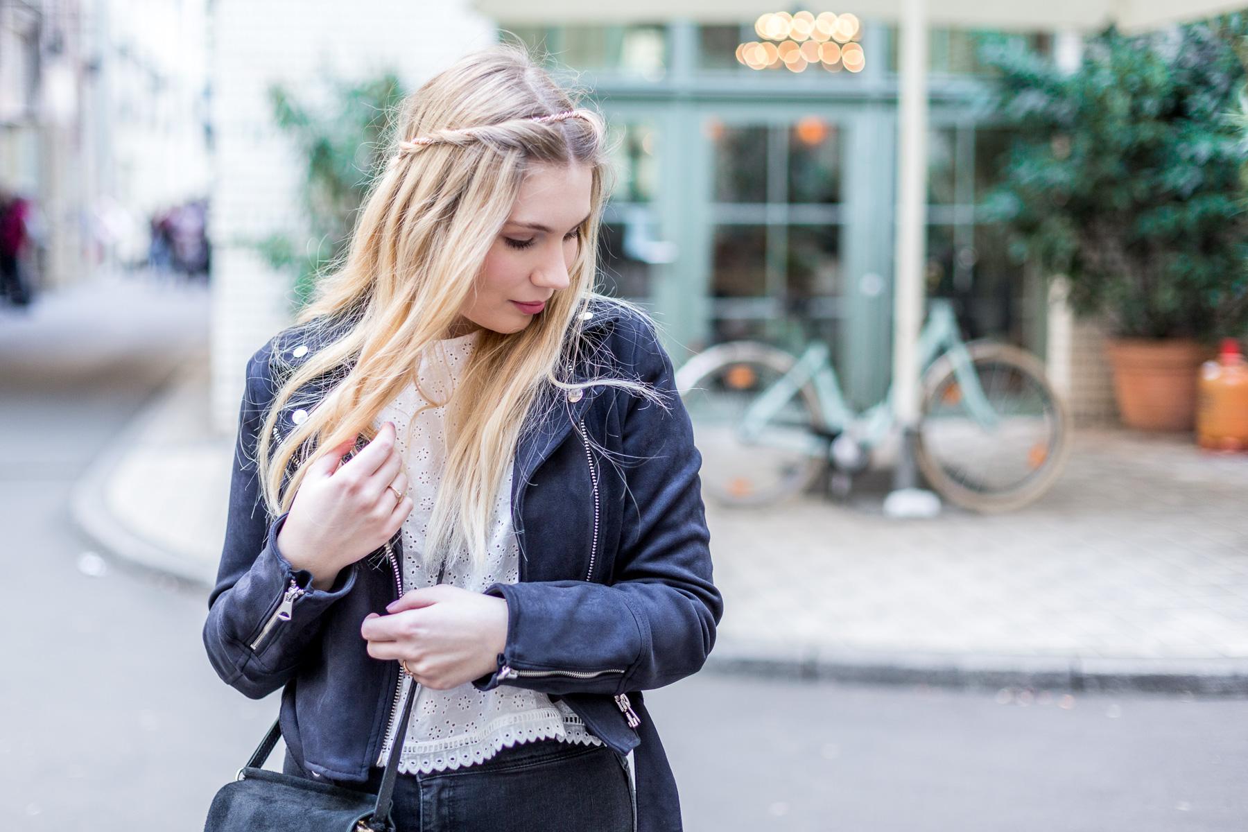 Wiosna 2018 – transparentne bluzki, koronki i hafty