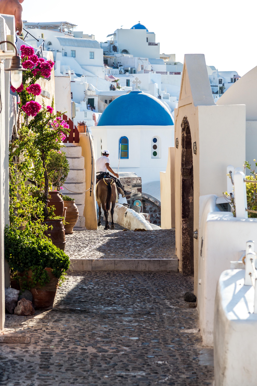 top attractions in santorini, oia