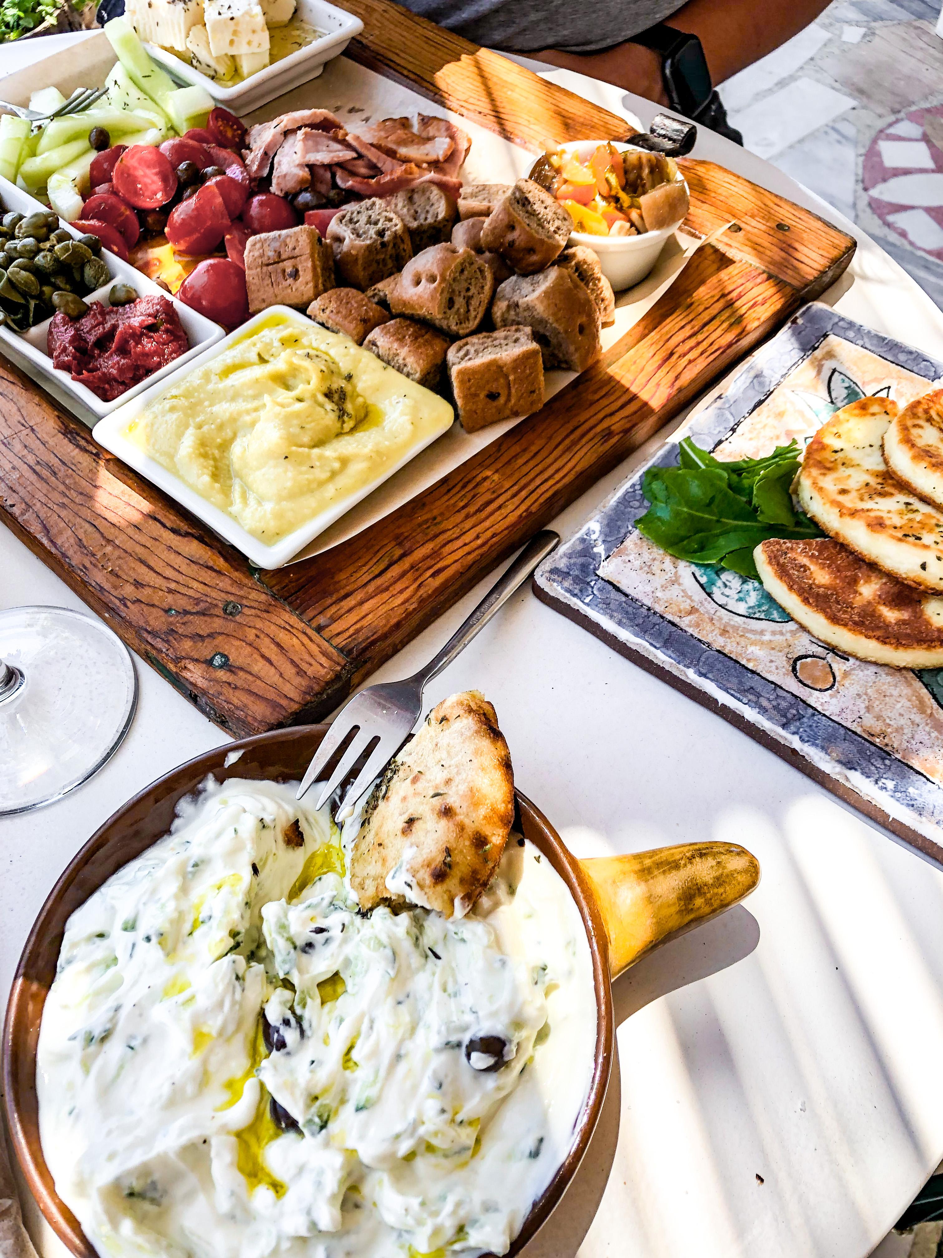 santorini pyrgos jedzenie restauracje grecja