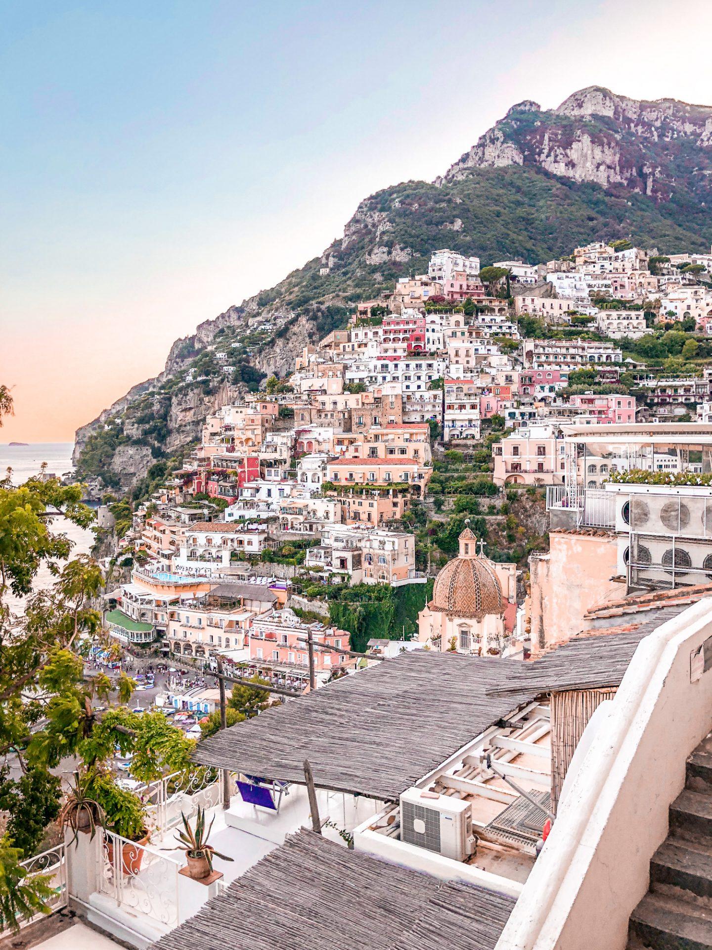 Positano – czy warto tam pojechać i czy jest warte swojej ceny? Hotele, jedzenie i co zrobić, aby wyjazd nie był aż taki drogi
