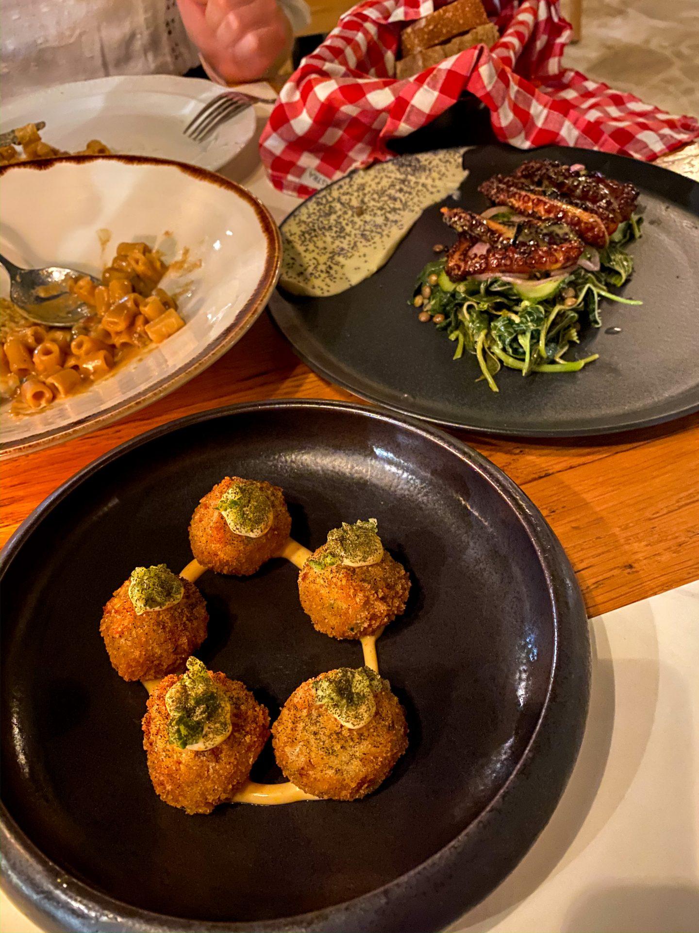 salis chania restaurant crete food greece