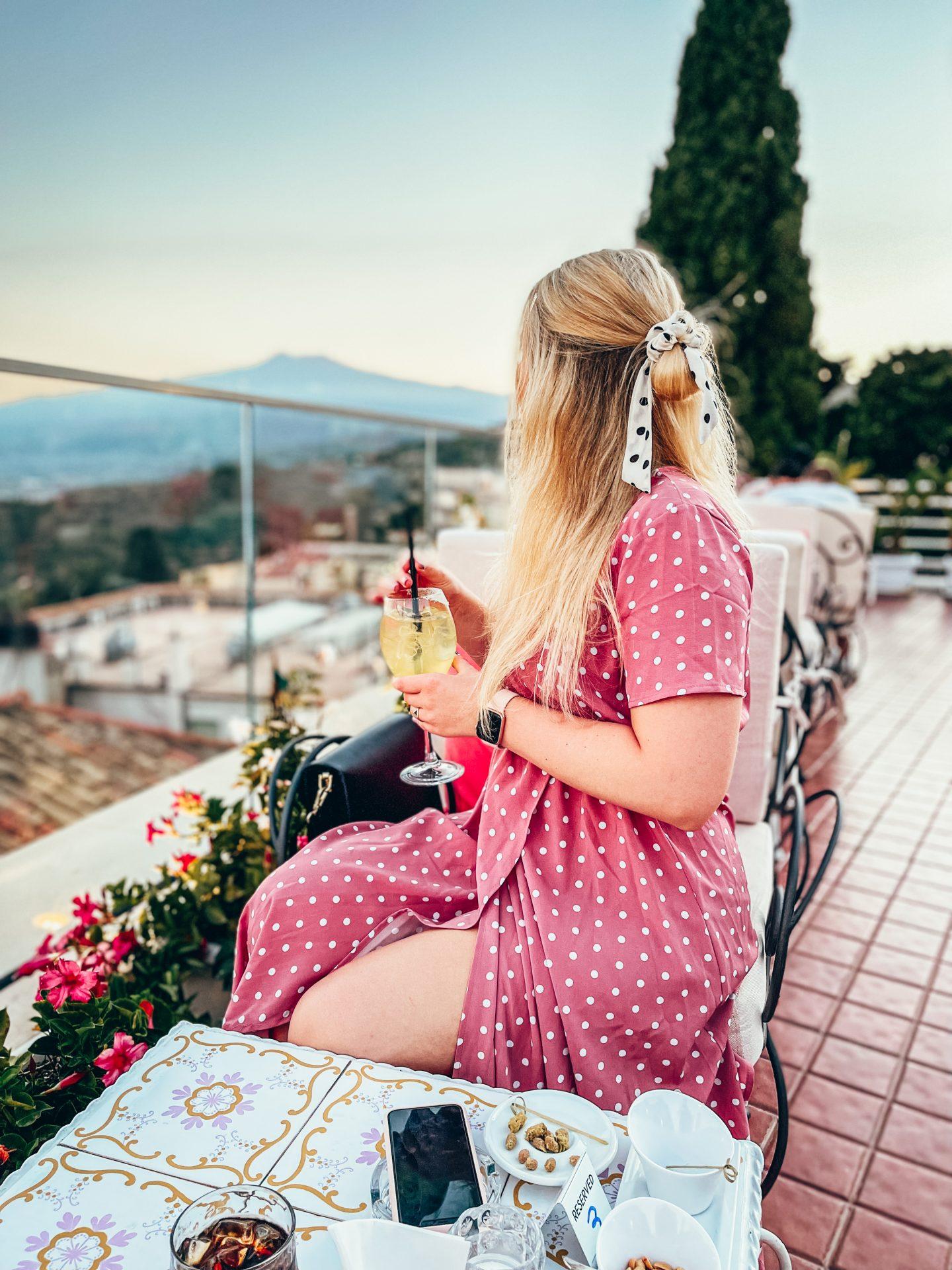 Taormina – co warto zobaczyć? Przewodnik po najpiękniejszym miejscu na Sycylii – atrakcje, ceny, jedzenie